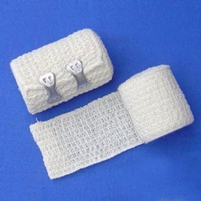 Crepe Bandages with 2 metal clips